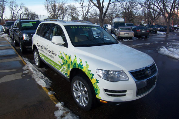 Green cars roll into Boulder to highlight fuel efficient
