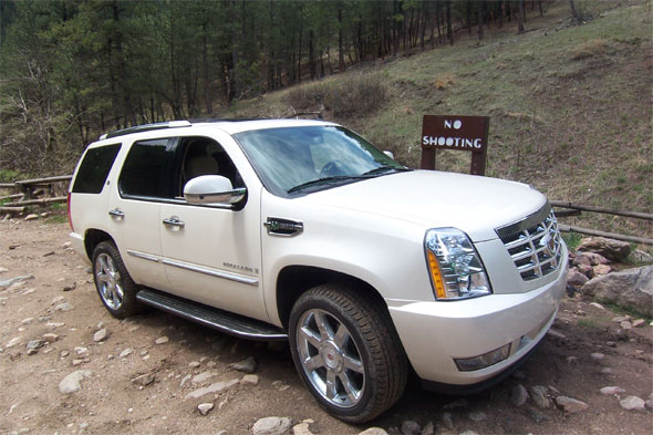 Review 2009 Cadillac Escalade Hybrid Is It The Ferrari Or Prius Of Suvs