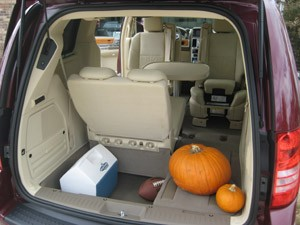 chrysler town and country van with table kitchen and living space rh caffeinatedprojects co uk van with table uk van with table uk