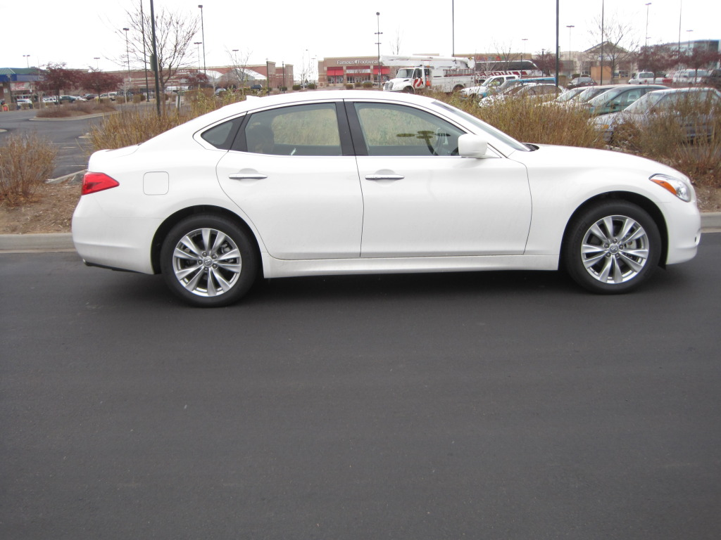Review 2011 infiniti m37x the very last car on paris hiltons argue that this is not the economic climate to have a vehicle that screams hey look at me i have a lot of money my car has silver powder infiniti vanachro Image collections