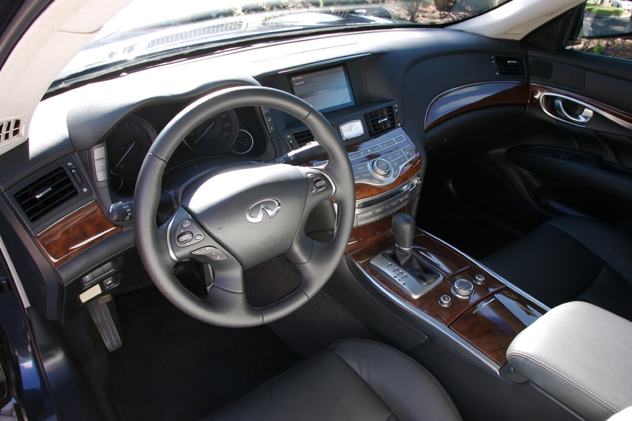 Review 2011 infiniti m37x the very last car on paris hiltons 2011infinitimreallifeimages002 vanachro Image collections