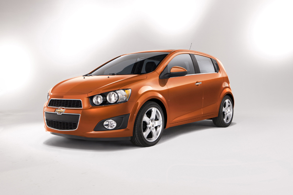 the 2012 chevrolet sonic counter punches the 2012 ford focus the rh tflcar com