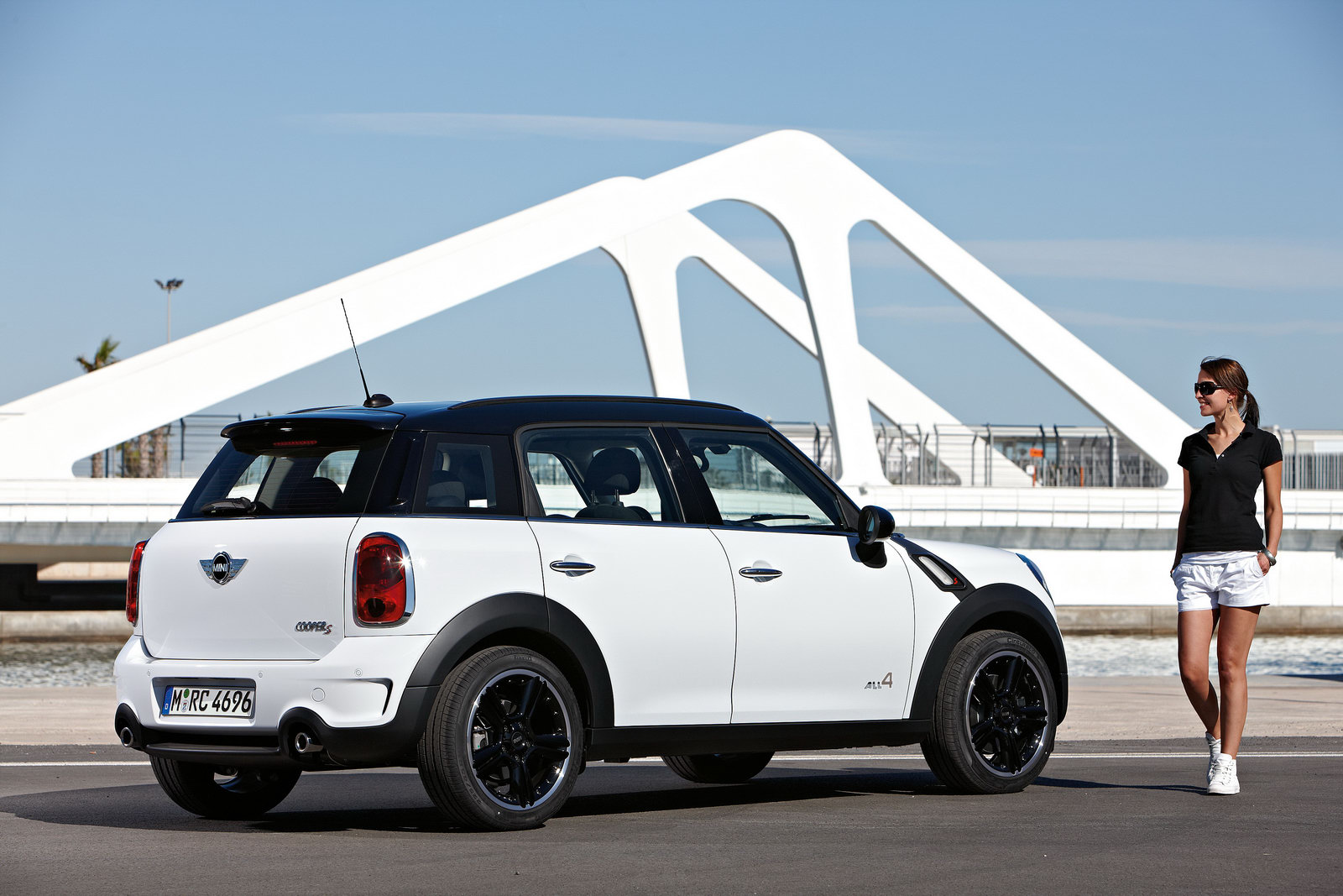 Review The Chubby 2011 Mini Cooper Countryman Is Still Very Sexy