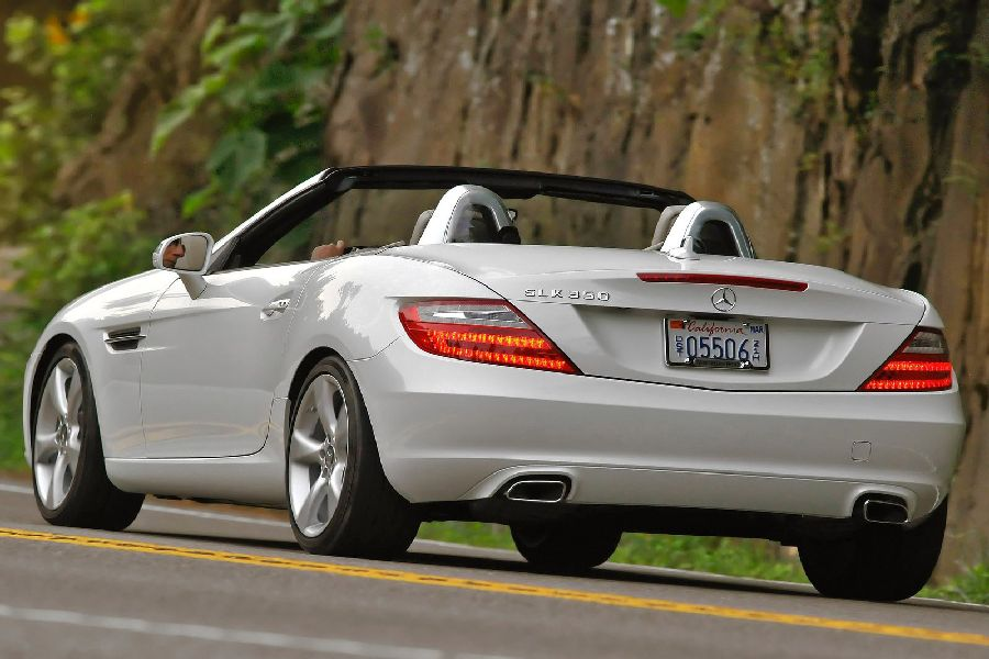 review the 2012 mercedes benz slk350 is what the slk should have rh tflcar com 2012 Mercedes-Benz SLK350 2011 SLK