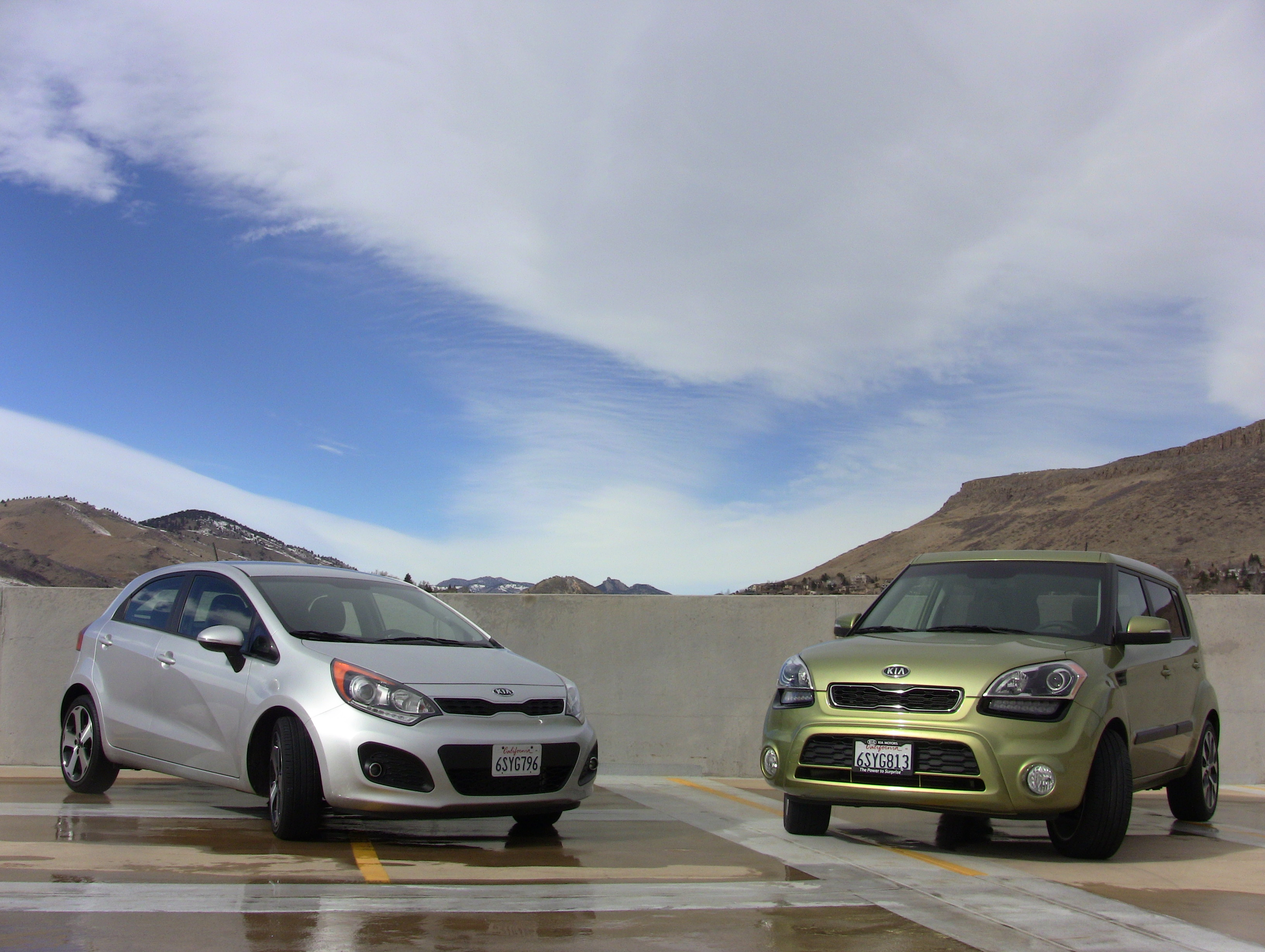 Video 2012 KIA Soul versus Rio Drive and Mashup Review The Fast