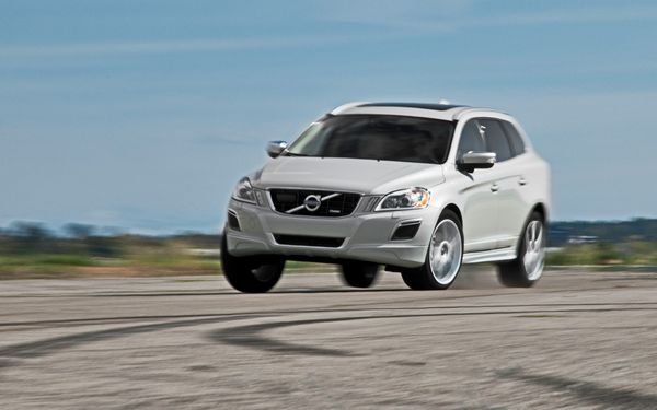 2012-Volvo-XC60-R-Design-with-Polestar-front-three-quarters-in-motion